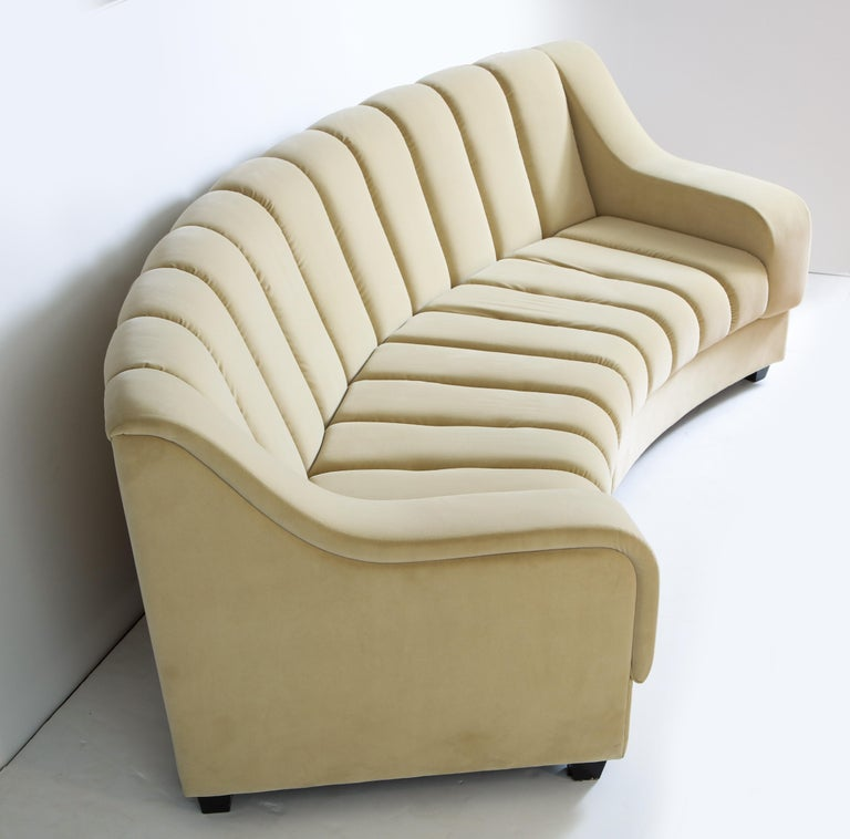 Segmented Curved Sofa in the Style of Desede in Imported Beige Velvet, Italy For Sale 2