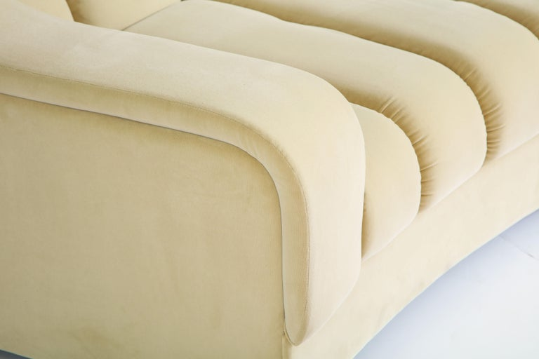 Segmented Curved Sofa in the Style of Desede in Imported Beige Velvet, Italy For Sale 3