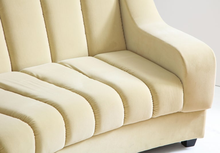 Segmented Curved Sofa in the Style of Desede in Imported Beige Velvet, Italy For Sale 4