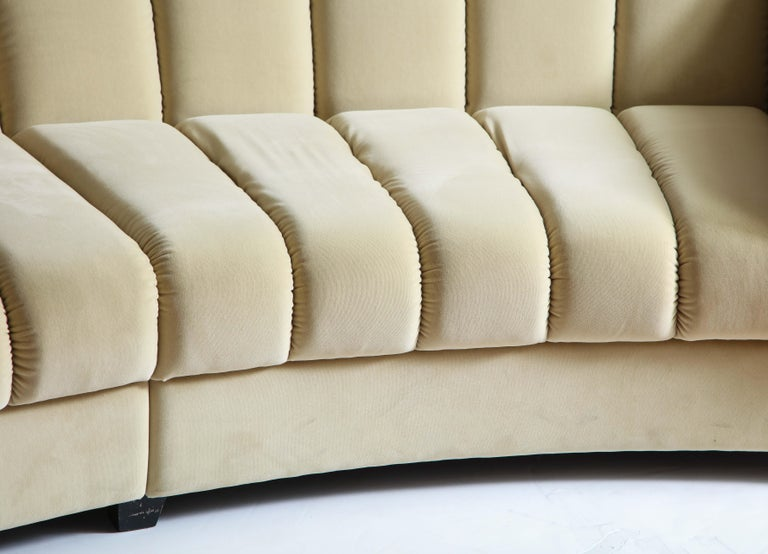 Segmented Curved Sofa in the Style of Desede in Imported Beige Velvet, Italy For Sale 6