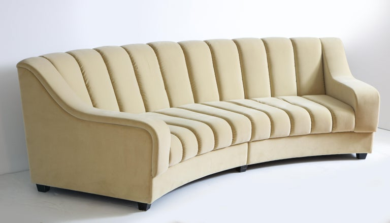 Segmented Curved Sofa in the Style of Desede in Imported Beige Velvet, Italy For Sale 10