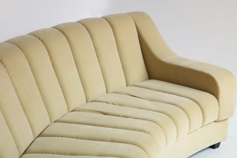 Hand-Crafted Segmented Curved Sofa in the Style of Desede in Imported Beige Velvet, Italy For Sale