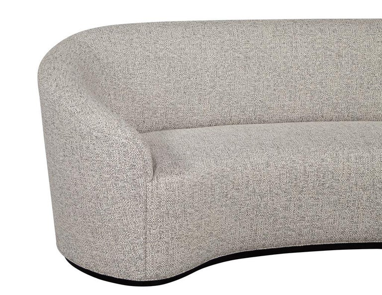 Custom Modern Curved Sofa in Grey Textured Linen In New Condition For Sale In North York, ON