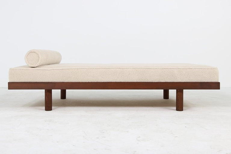 Custom Modernist Daybed In Solid Pinewood And Teddy Fur