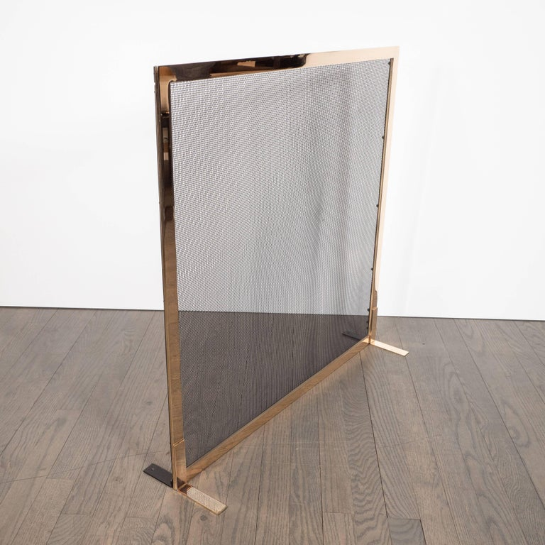 Custom Modernist Fire Screen in Polished Brass with Iron Mesh Grill In Excellent Condition For Sale In New York, NY