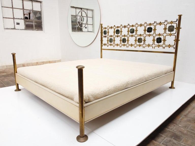 Italian Custom Order Osvaldo Borsani Bed with a Series of 9 Enameled Sculptures, 1958-60 For Sale