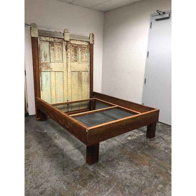 Custom Queen Size Reclaimed Wood Bed In Good Condition For Sale In San Francisco, CA