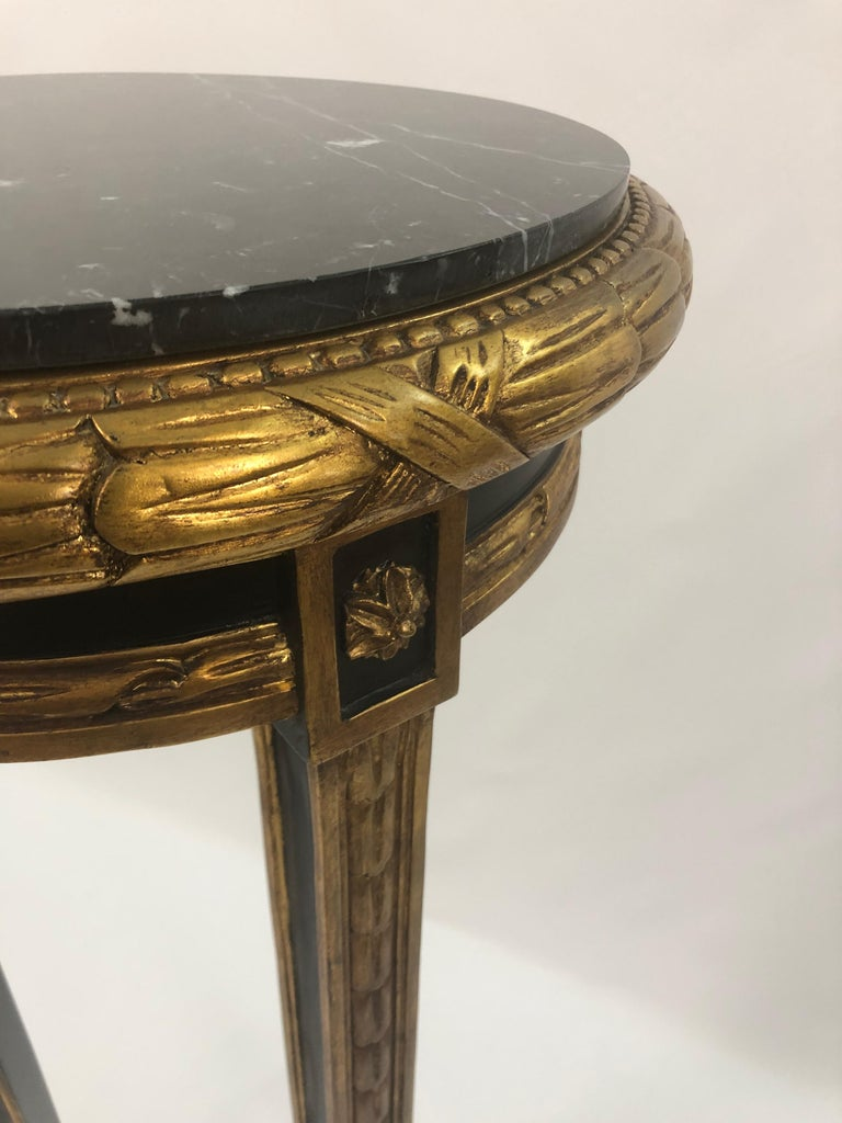 Custom Regency Ebonized and Gilded Plant Stand with Marble Top In Excellent Condition For Sale In Hopewell, NJ
