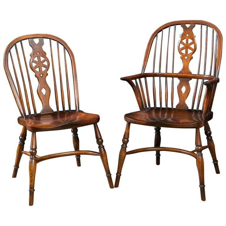 Custom Set Of Eight Windsor Wheel Back Chairs 2 Arms And 6 Sides For Sale At 1stdibs