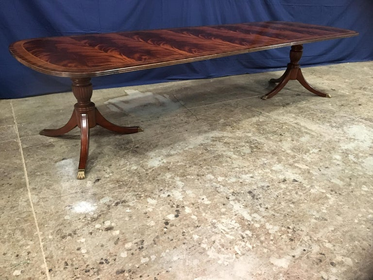 Custom Traditional Mahogany Georgian Dining Table by Leighton Hall In New Condition For Sale In Suwanee, GA