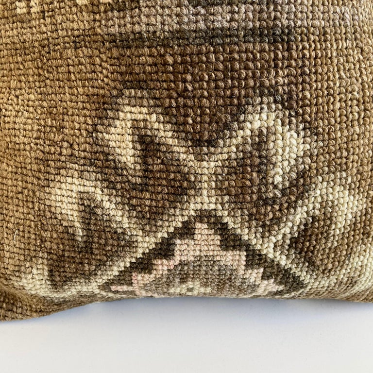 Custom Turkish Kilim Rug Wool Pillow with Insert In Good Condition For Sale In Brea, CA