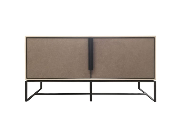 Contemporary Customizable Chelsea Brown Leather Bar with Hammered Metal Base by Ercole For Sale