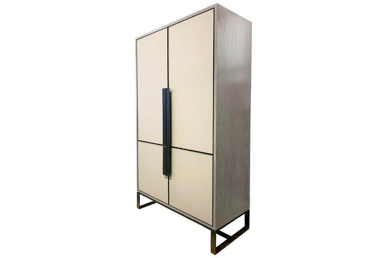 American Customizable Chelsea Gray Leather Pocket Door Bar with Hammered Base by Ercole  For Sale
