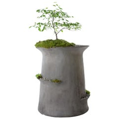 "OPIARY Concrete ""Echelon"" Planter (Medium : DIA 32"", H 34"")"