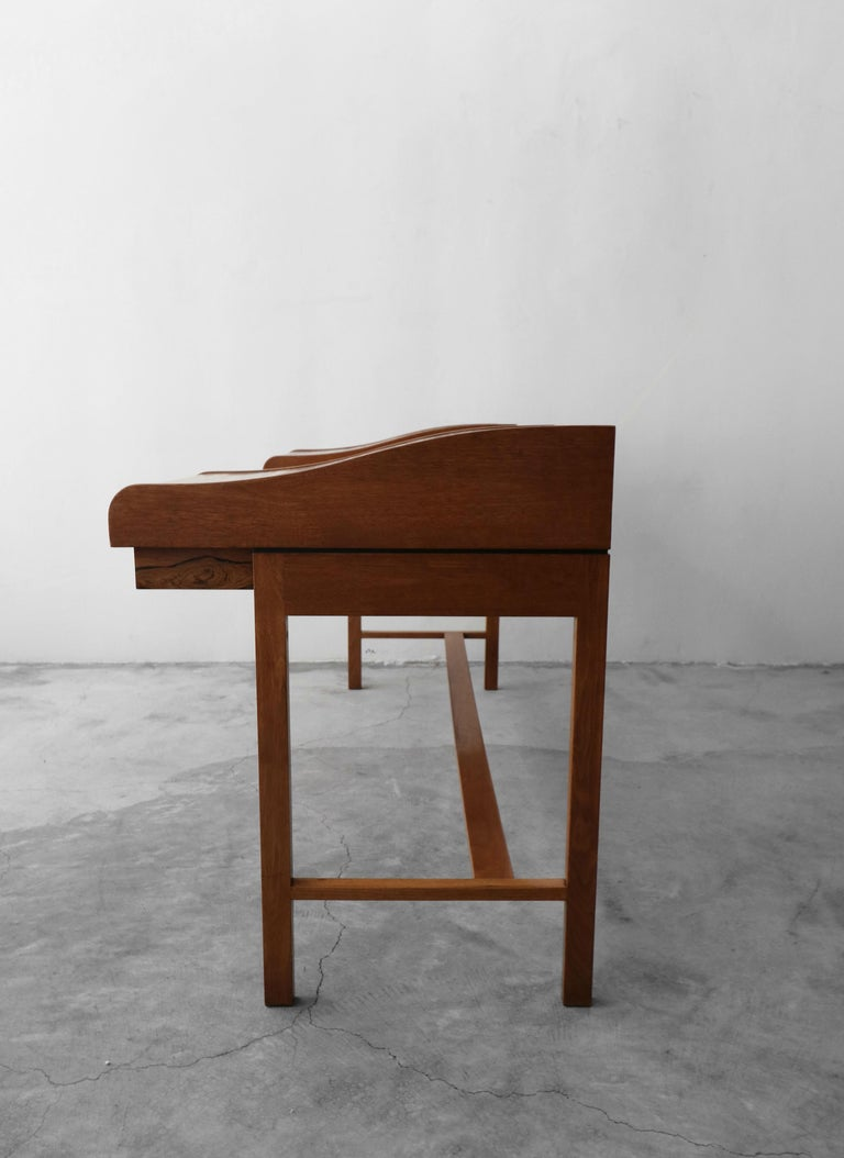 Customized Midcentury Rosewood and Walnut Desk by Edward Wormley for Dunbar 7