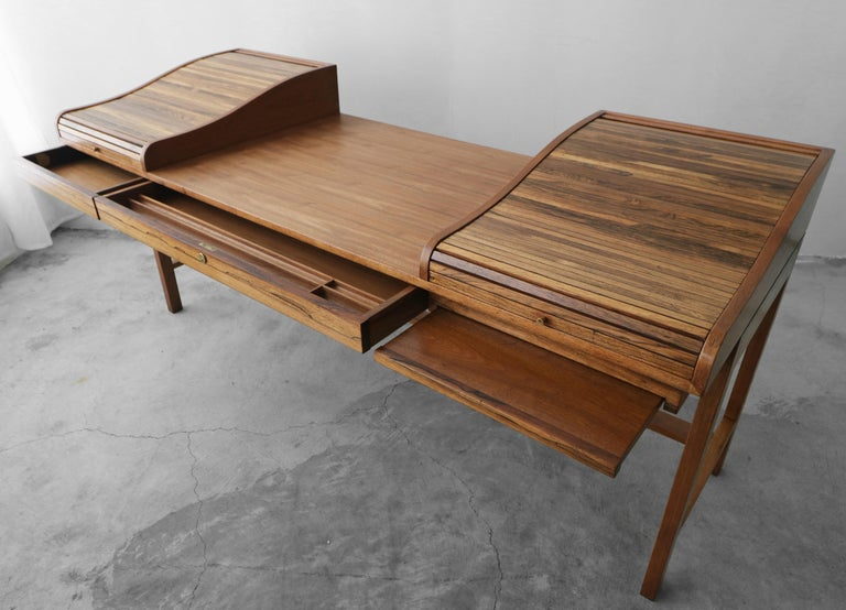 Customized Midcentury Rosewood and Walnut Desk by Edward Wormley for Dunbar 1