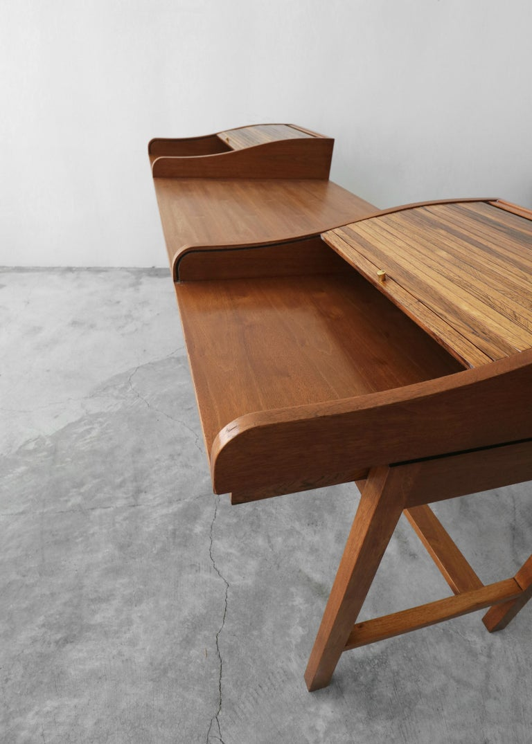 Customized Midcentury Rosewood and Walnut Desk by Edward Wormley for Dunbar 2