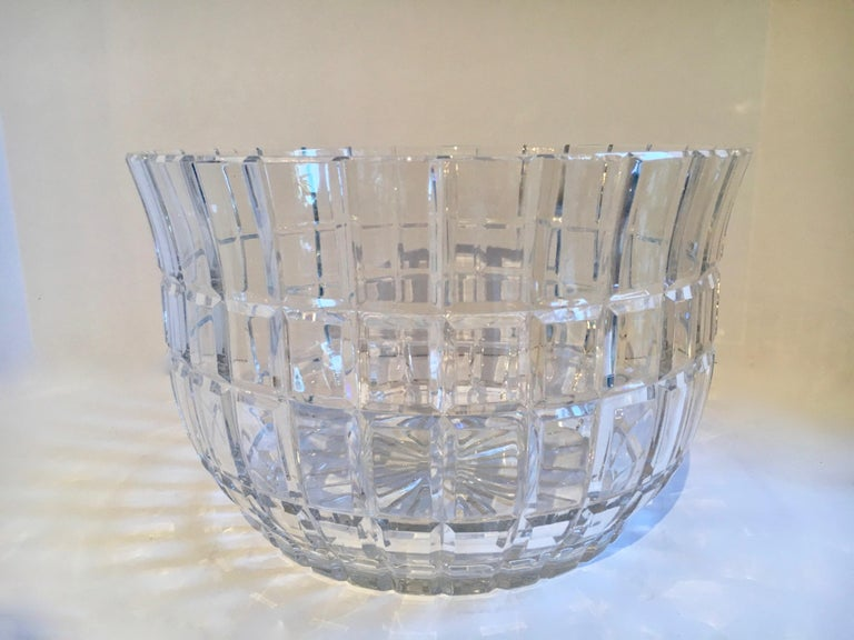 Cut crystal salad bowl, a beautifully designed and shaped bowl for salads, veggies, center piece, with a great shape for any occasion. A lovely and very heavy piece.