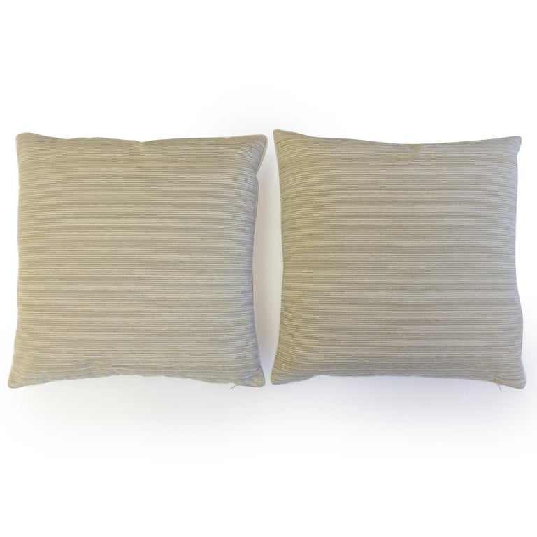 Cut Velvet Throw Pillows In New Condition For Sale In Greenwich, CT