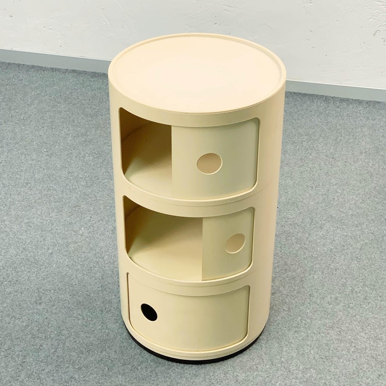 Cylindrical Cabinet by Kartell, Italy 1969, Designed by Anna Castelli Ferrieri For Sale 3