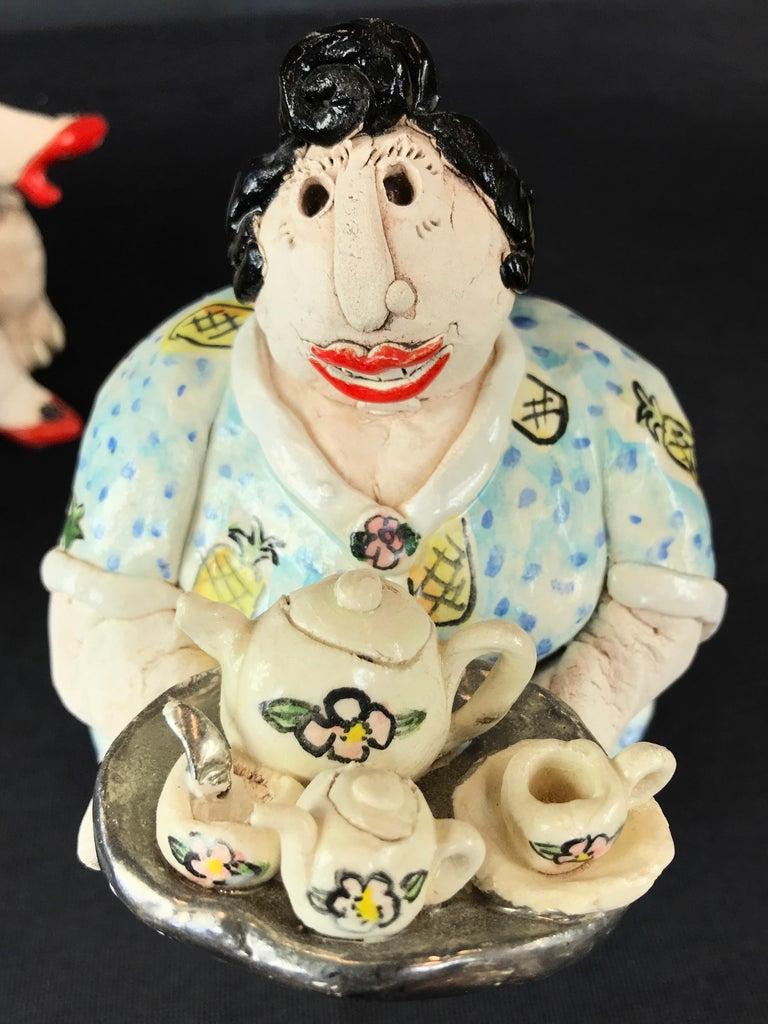 "Cynthia Hipkiss ""Four Ladies at Tea"" Five-Piece Ceramic Sculpture, 1987 For Sale 9"