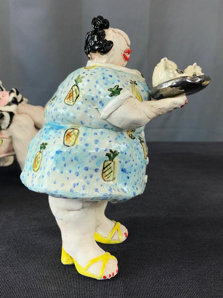 "Cynthia Hipkiss ""Four Ladies at Tea"" Five-Piece Ceramic Sculpture, 1987 For Sale 10"