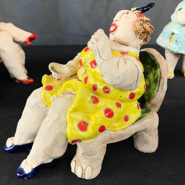 "Cynthia Hipkiss ""Four Ladies at Tea"" Five-Piece Ceramic Sculpture, 1987 For Sale 11"