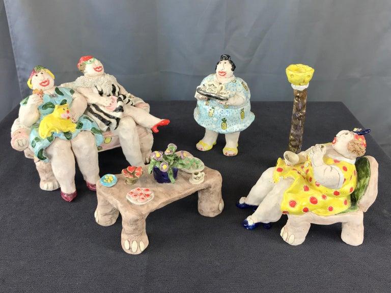 "American Cynthia Hipkiss ""Four Ladies at Tea"" Five-Piece Ceramic Sculpture, 1987 For Sale"