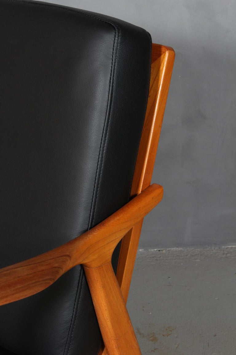 Czech Design, Two Lounge Chairs, Oak and New Upholstered with Black Leather In Good Condition For Sale In Esbjerg, DK