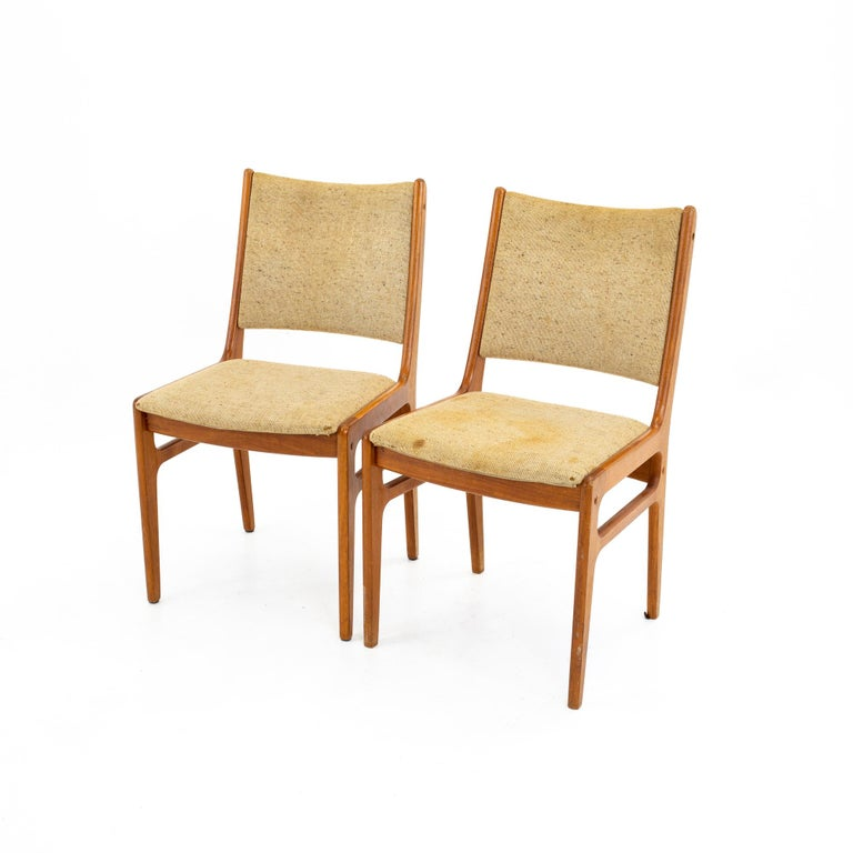 D-Scan Mid Century Dining Chair, Set of 3 In Good Condition For Sale In La Grange, IL