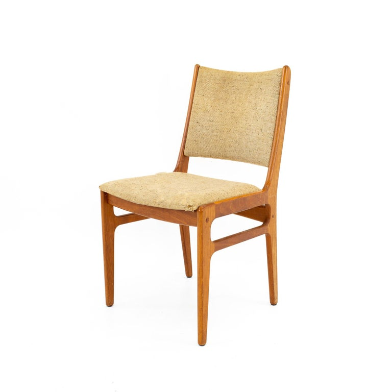D-Scan Mid Century Dining Chair, Set of 3 For Sale 1