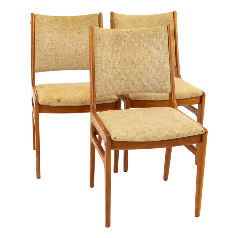 D-Scan Mid Century Dining Chair, Set of 3 For Sale