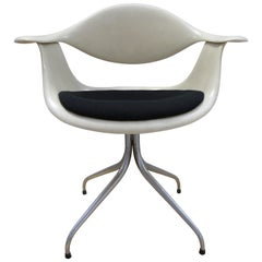DAF Swag Leg Fibreglass Chair by George Nelson for Herman Miller