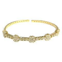Daisy Diamond Bangle in 18 Karat Yellow Gold
