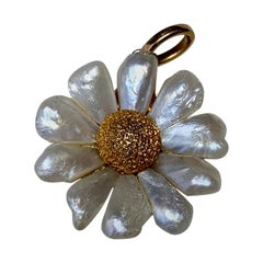 Daisy Flower Pendant Lavaliere Charm Pearl 14 Karat Gold Estate