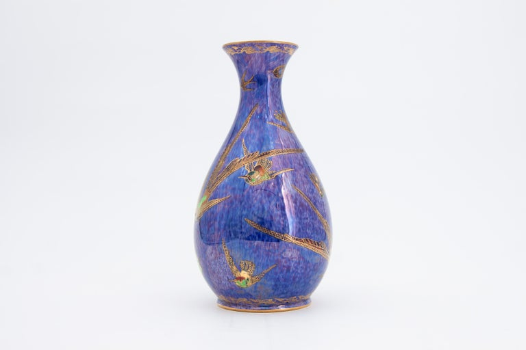 Daisy Makeig-Jones Wedgwood Hummingbird Lustre Vase In Excellent Condition For Sale In Fort Lauderdale, FL