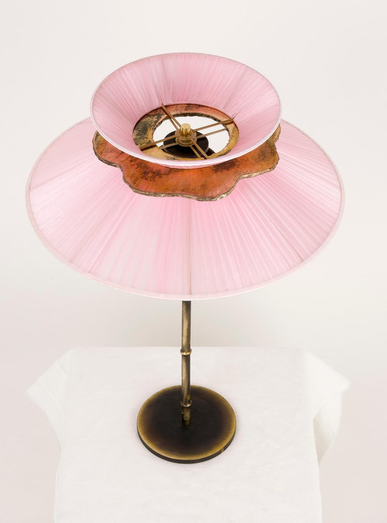 Daisy Table Lamp in Dark Brass Rose Silk Silvered Glass Necklace, Glass Handmade For Sale 5