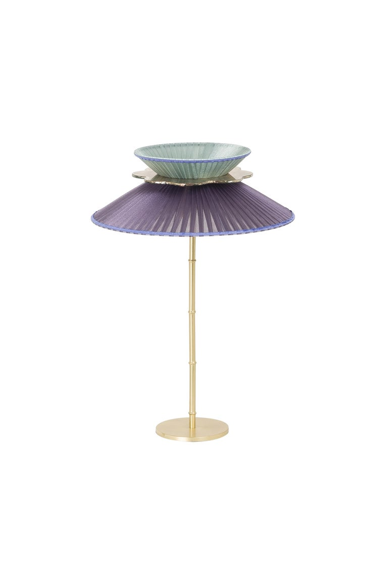 This light object is a contemporary piece, entirely made in Tuscany and produced 100% by hand in Sabrina Landini's atelier.  Inspired by the natural and fresh charm of its namesake flower, the Margherita, a modern lamp, wide like a full-blossomed