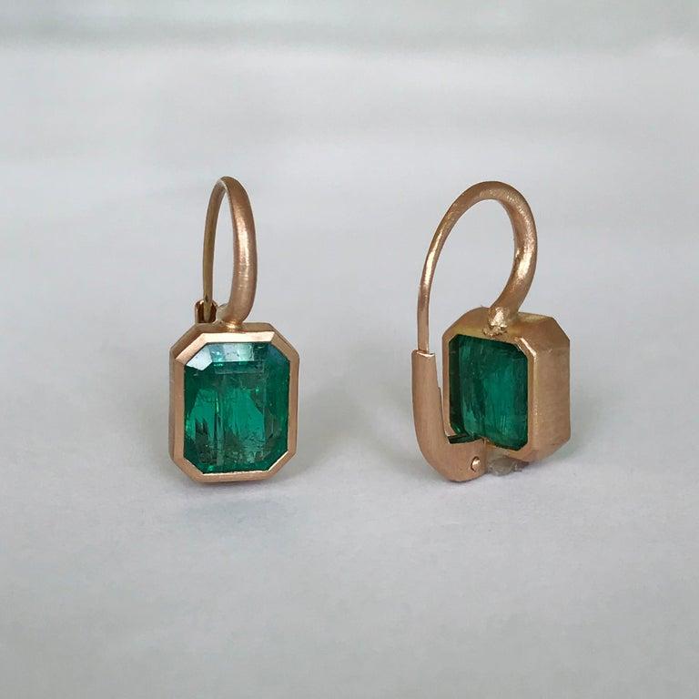 Dalben 5,4 Carat Deep Green Emerald Rose Gold Earrings For Sale 6