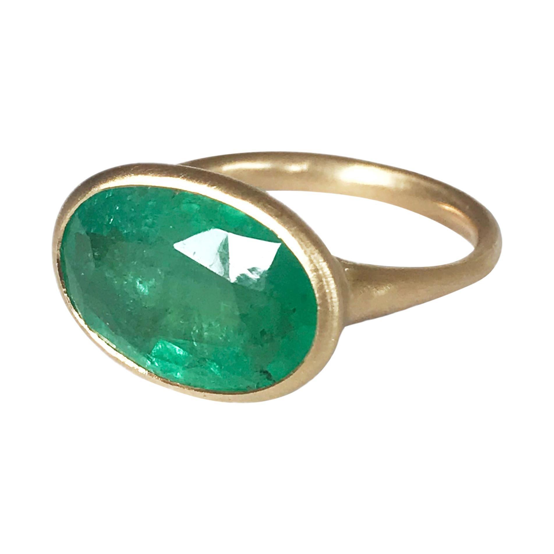 Dalben 5.5 Carat Oval Emerald Yellow Gold Ring
