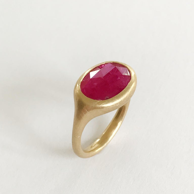 Dalben design One of a Kind 18k yellow gold matte finishing ring with a 2,76 carat bezel-set oval  rose cut slice ruby.  Ring size 7 1/4 USA - EU 5 re-sizable to most finger sizes.  Bezel stone dimensions : height 11,6 mm width 16,9 mm The ring has