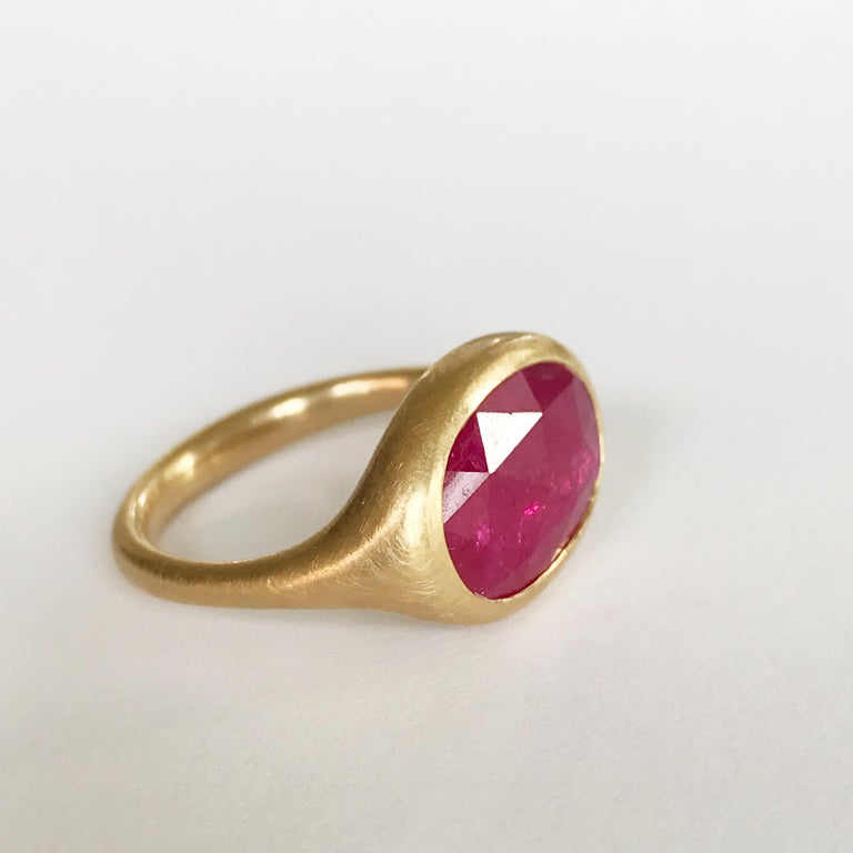 Contemporary Dalben Big Oval Rose Cut Slice Ruby Yellow Gold Ring For Sale