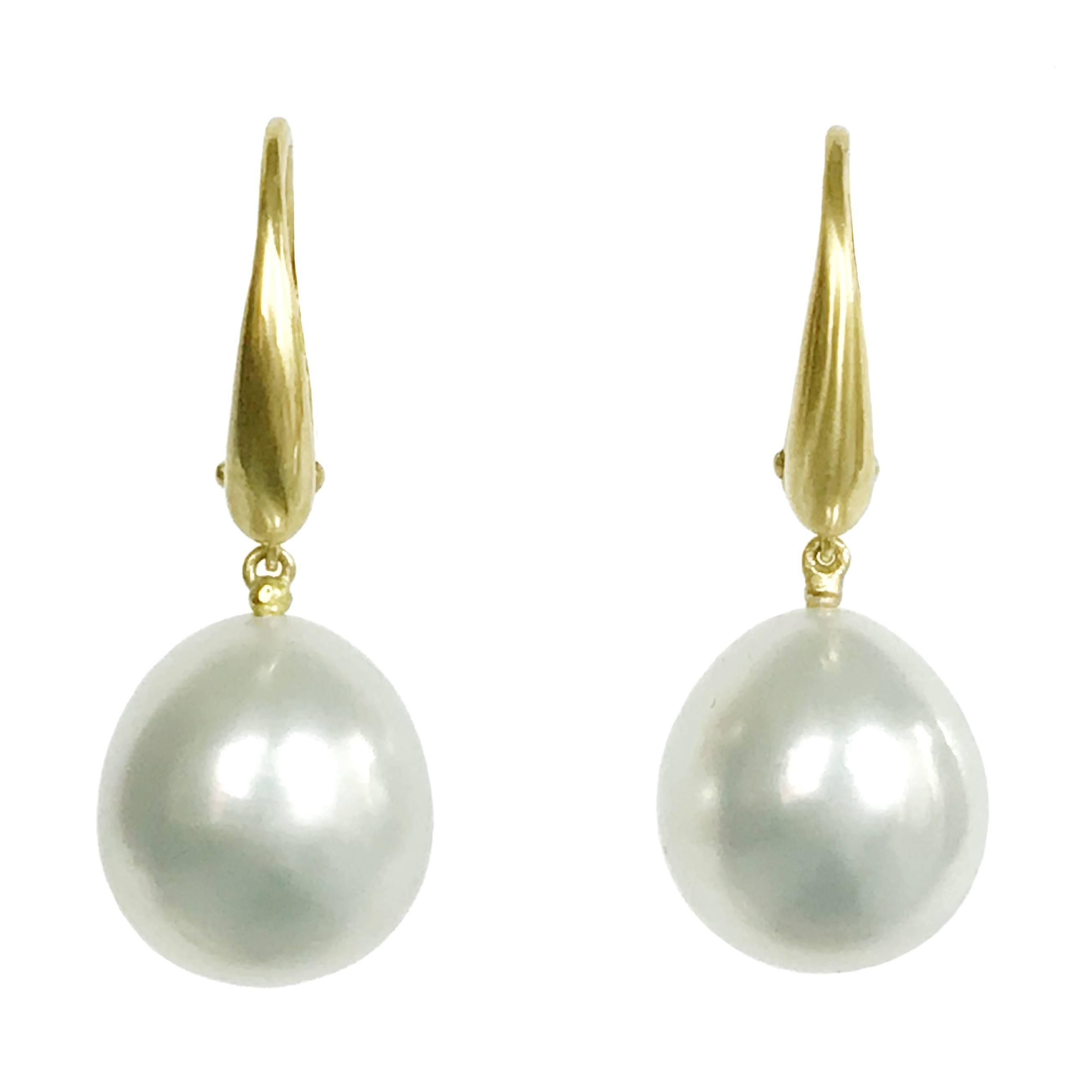 Dalben Design Australian South Sea Pearl Yellow Gold Dangle Earring