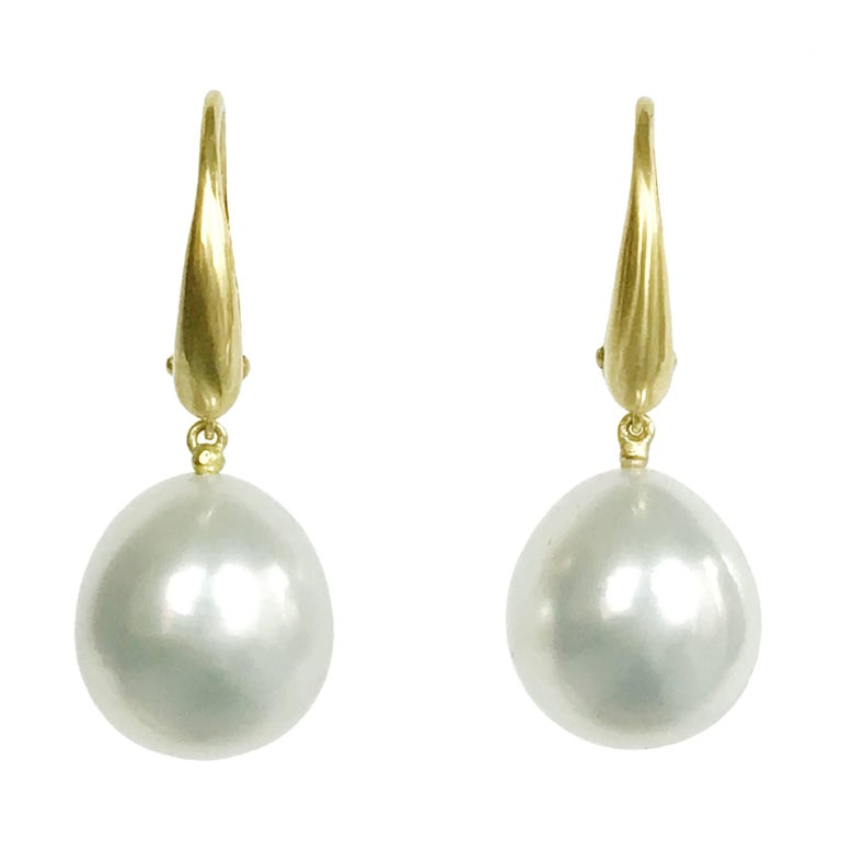 Dalben Design Australian South Sea Pearl Yellow Gold Dangle Earring