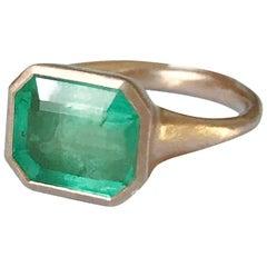 Dalben 4,10 Carat Emerald Rose Gold Ring