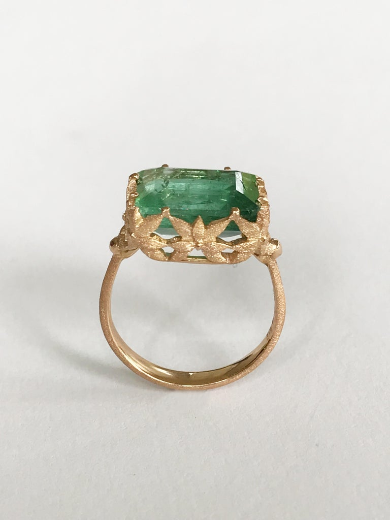 Dalben design 18 kt hand engraved rose gold leaf motif Cocktail Ring with an emerald cut  Green Tourmaline weighting 6,75 carat, Bezel setting dimension: width 13,9 mm, height 12,2 mm. 13,40 carat .   Ring size 6 3/4 USA - 54 EU resizable to most