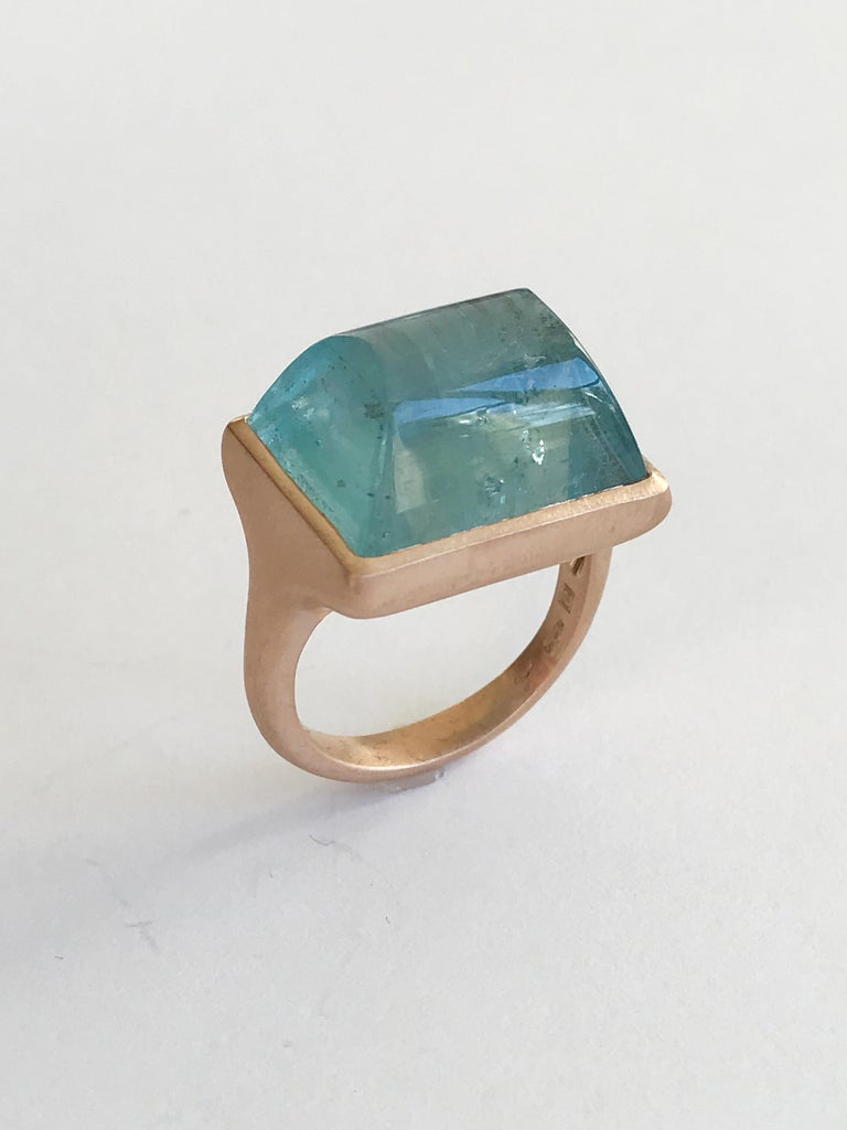 Contemporary Dalben Rectangular Aquamarine Rose Gold Ring For Sale