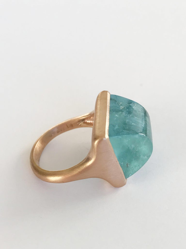 Dalben Rectangular Aquamarine Rose Gold Ring In New Condition For Sale In Como, IT