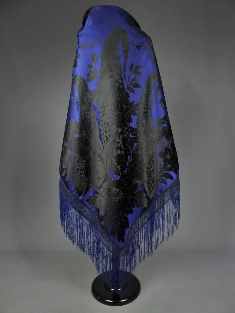 Damask silk shawl, circa 1860 For Sale 6