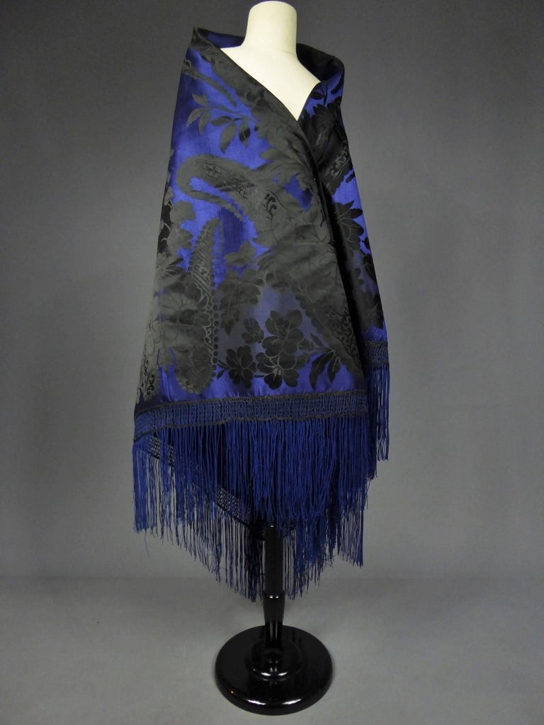 Damask silk shawl, circa 1860 For Sale 8